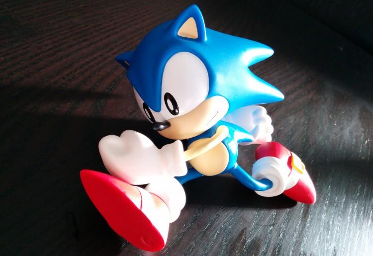 Sonic vinlyl figure sans socle