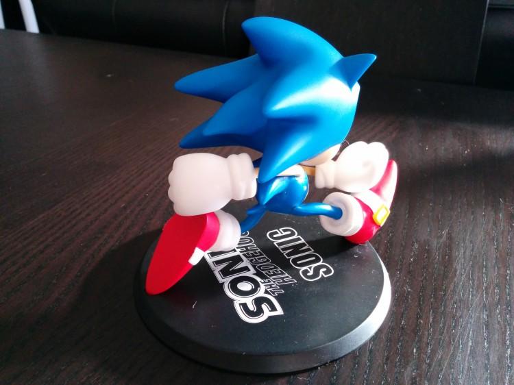 Sonic vinlyl figure