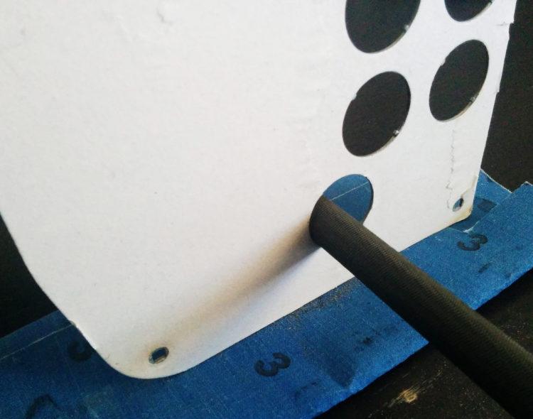 HSS-0136 - Metal plate holes